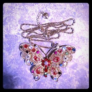 NWT STUNNING BETSEY JOHNSON BUTTERFLY 🦋 NECKLACE